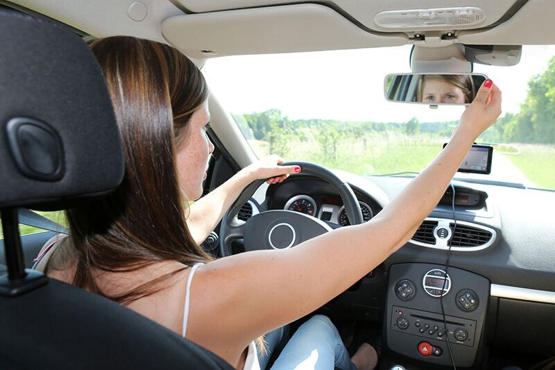 Important Driving Safety Lessons for Your Teen